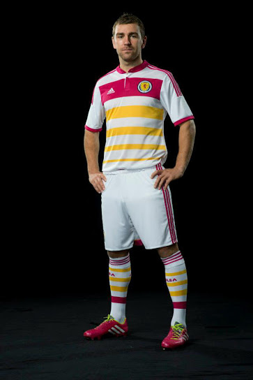 Scotland 2014 Away Kit (1)