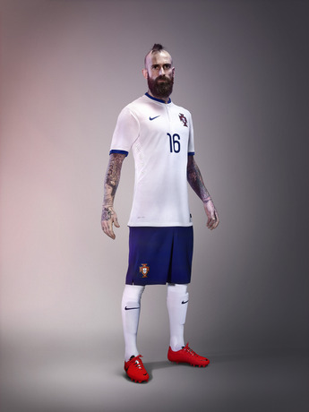 Meireles_portugal_away_world_cup_2014_kit