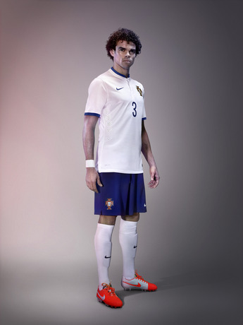 Pepe_portugal_away_world_cup_2014_kit