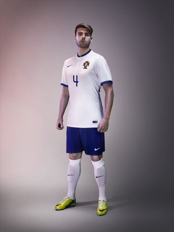 portugal-away-world-cup-2014-kit-1