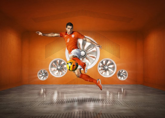 Sp14_FB_NTK_NDL_Strootman_Hero_02_large