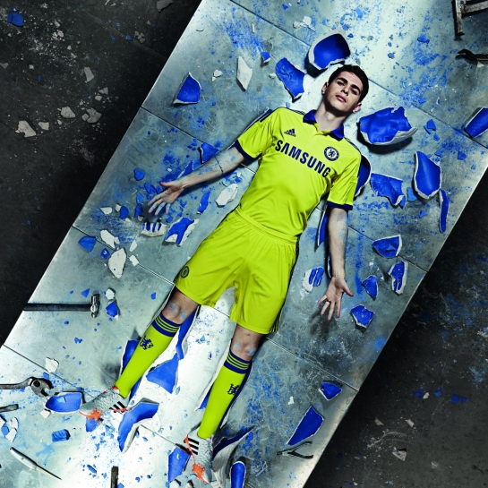 ADI032_CFC 14-15 Kit Launch_1x1_OSCAR_AWAY_140408