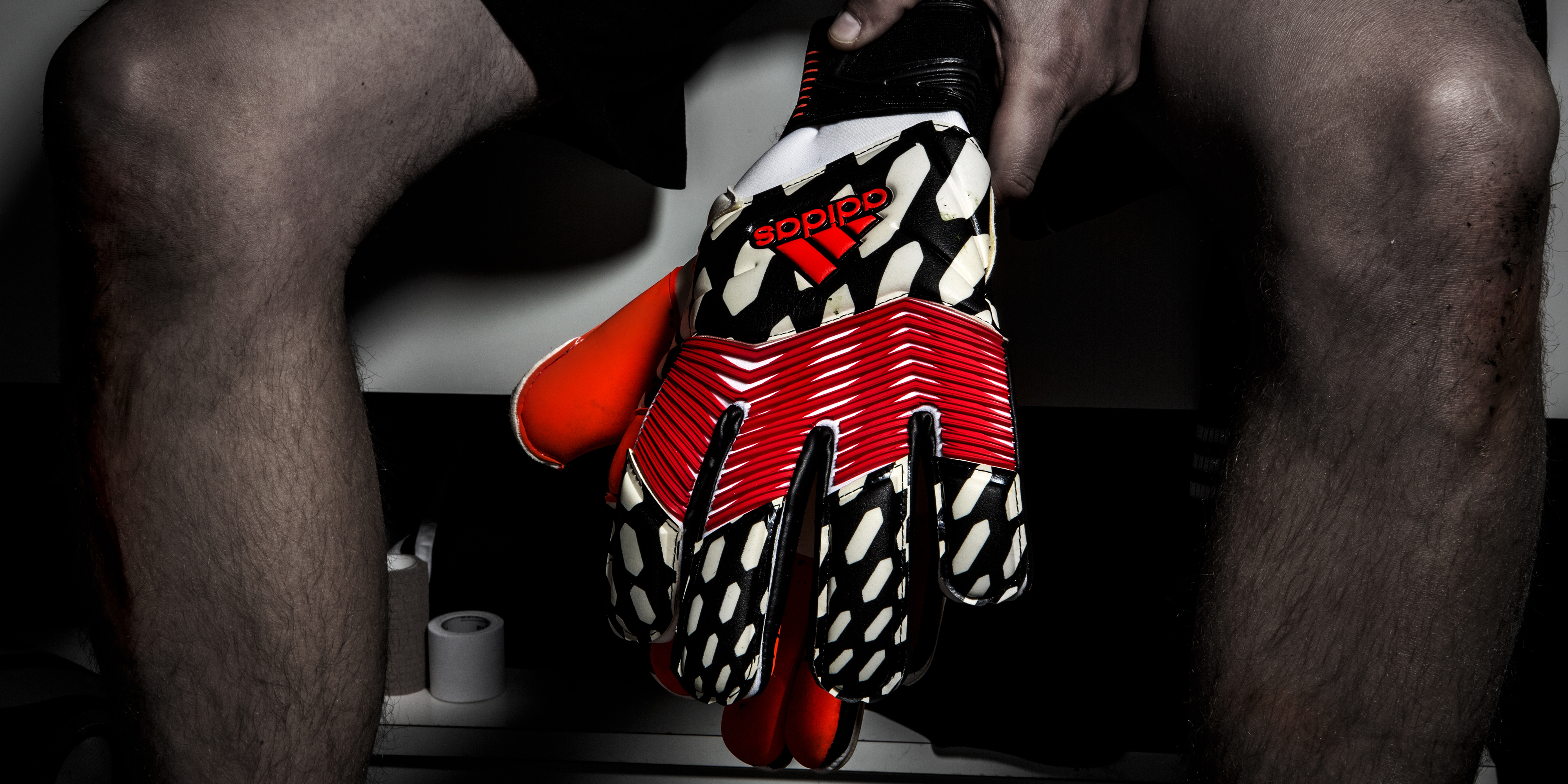 iker casillas gloves 2014 need from their gloves