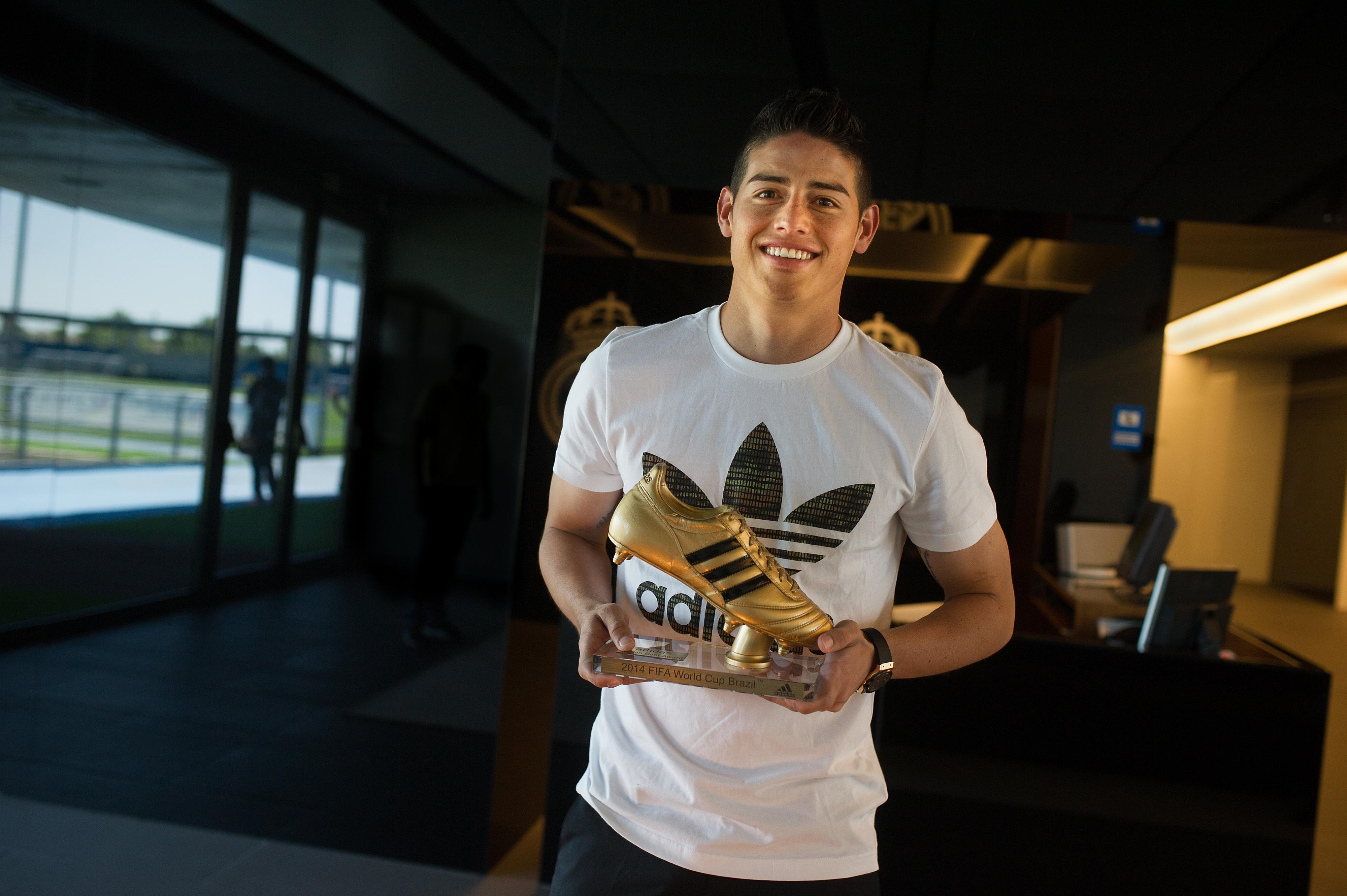 ผลการค้นหารูปภาพสำหรับ world cup golden boot