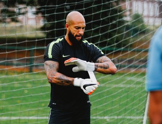 Tim Howard Football Meets Football - Nike.