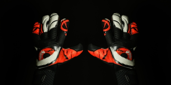 Adidas_Beast_Gloves_Red_OnBlack_PR_01-2