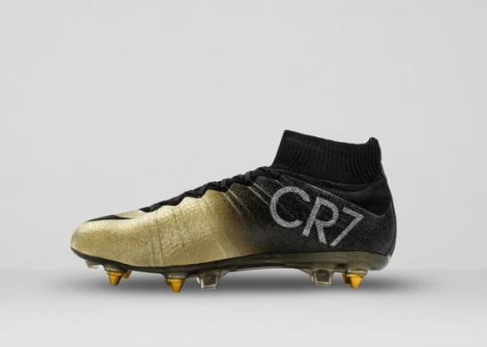 Mercurial_CR7_C_right_medial_36612