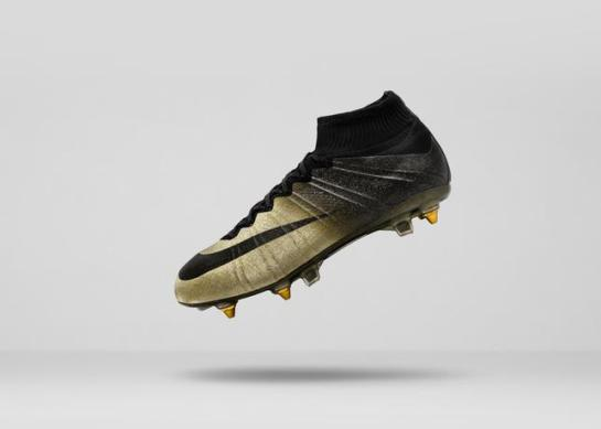 Mercurial_CR7_E_angled__36613